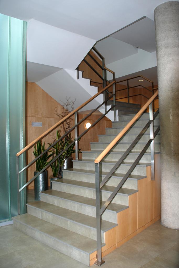 Barandillas y pasamanos talleres armis n taller de - Barandillas de escaleras interiores ...